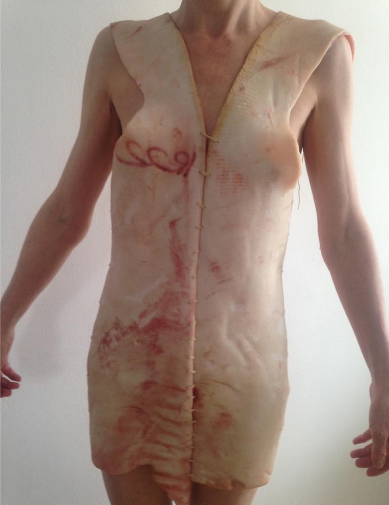 pig skin dress_jana e isabel leo